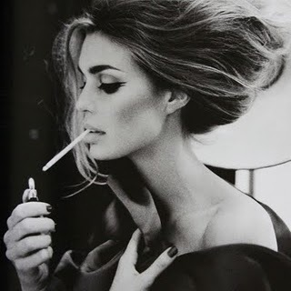 beauty_fashion_model_photography_smoking_woman-32b15c0b1ab5498c9281253e4a75e2a9_h_large